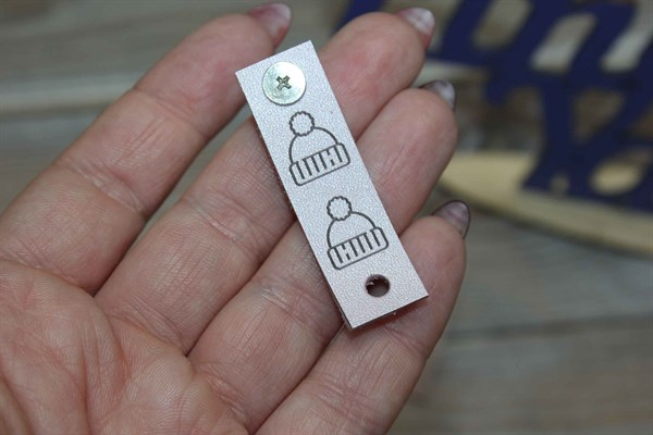 Бирка на кнопке Шапочка - фото 34697