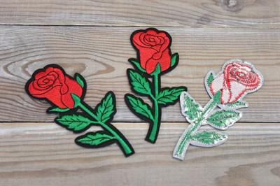 Термоаппликации вышитые Красная роза 5,5*11,5 см