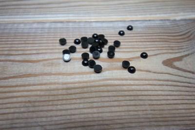 Глазки клеевые 6 мм черный
