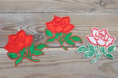 Термоаппликации вышитые Алая роза 8,5*9,5 см
